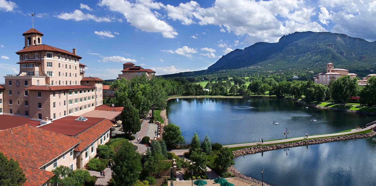 Campus_Aerial_Lake